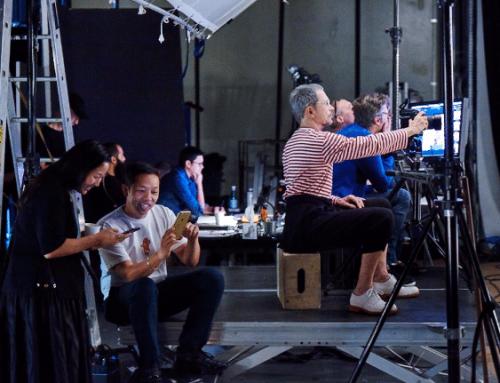 Ο Jean-Paul Goude διευθύνει ένα θεαματικό fashion show στη Νέα Υόρκη για τον εορτασμό του λανσαρίσματος της KENZO x H&M.